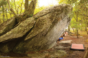 Julia Statler on Indian Outlaw (V3), Picnic Area Rockhouse Boulder